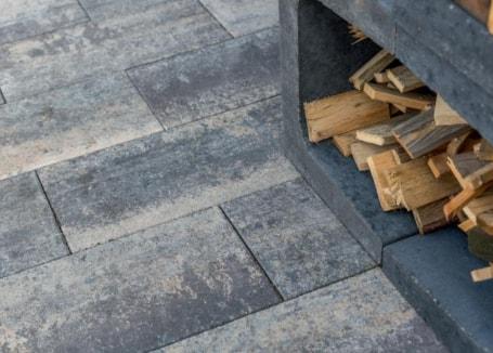 Stapelblokken houtopslag
